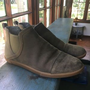 Olukai Pumehana Hulu Waterproof Boots Dusty Olive